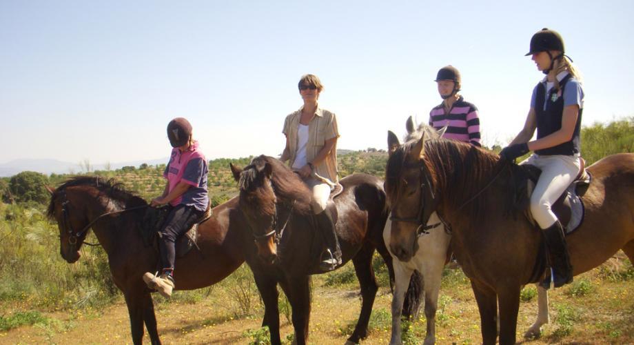 Descanso durante Una Ruta a Caballo- Cortijo Las Minas